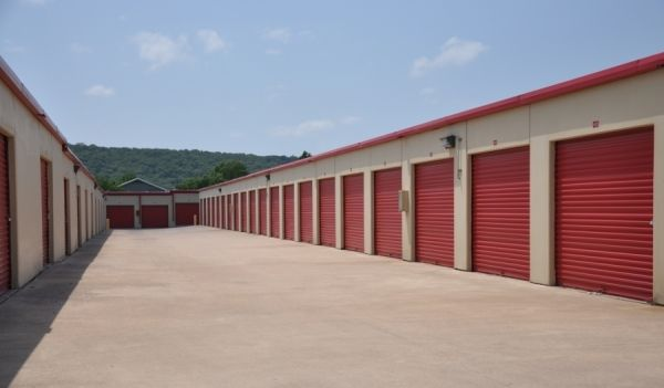 SecurCare Self Storage - Tulsa - S Peoria Ave 6436 S Peoria Ave Tulsa, OK - Photo 2