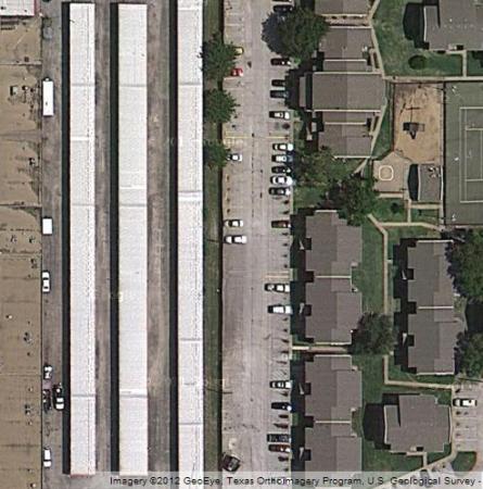 SecurCare Self Storage - Arlington - Collins St. 2331 S Collins St Arlington, TX - Photo 4