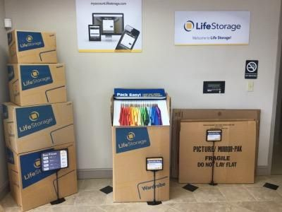 Life Storage - Lawrenceville - Marathon Parkway 875 Marathon Pkwy Lawrenceville, GA - Photo 3