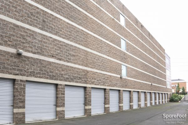 Exceptionnel ... Premier Storage Hillsboro2001 NE Aloclek Drive   Hillsboro, OR   Photo  1 ...