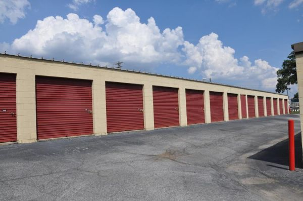 SecurCare Self Storage - Greenville - White Horse Rd 2815 White Horse Rd Greenville, SC - Photo 3