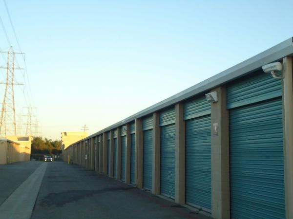 Vault Self Storage - Long Beach 6897 N Paramount Blvd Long Beach, CA - Photo 7