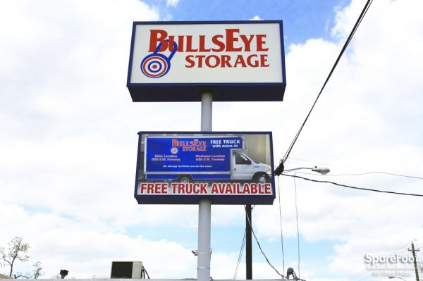 ... BullsEye Storage   Airline1715 Airline Dr   Houston, TX   Photo 1 ...