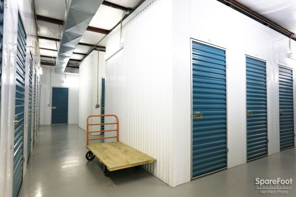 ... BullsEye Storage   Airline1715 Airline Dr   Houston, TX   Photo 12 ...