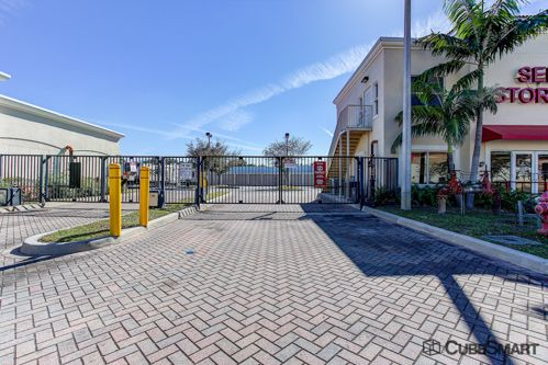 CubeSmart Self Storage - West Palm Beach - 5058 Forest Hill Blvd 5058 Forest Hill Blvd West Palm Beach, FL - Photo 5