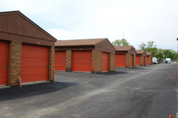 Waldorf Self Storage 3150 Leonardtown Rd Waldorf, MD - Photo 2
