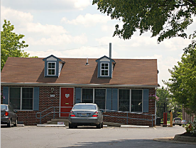 Fort Knox Self Storage - Leesburg 755 Gateway Dr SE Leesburg, VA - Photo 1