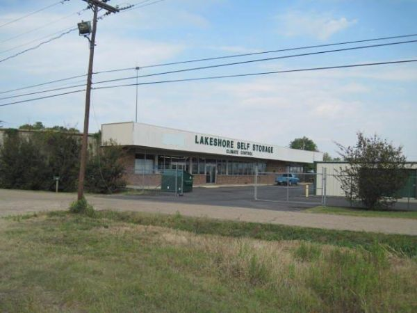 Lakeshore Storage 8201 Desiard St Monroe, LA - Photo 1
