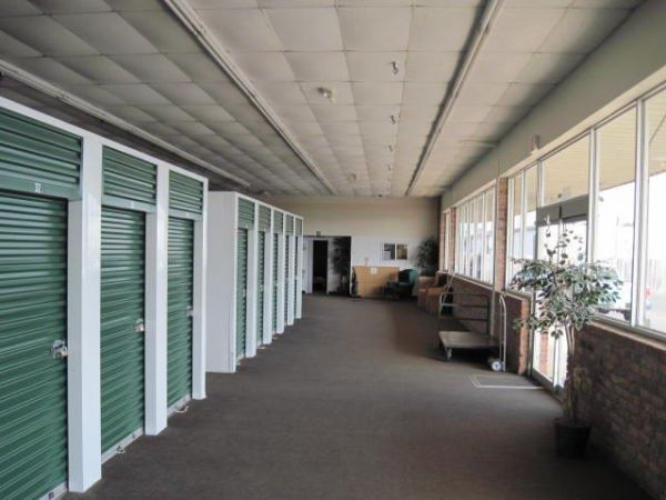 Lakeshore Storage 8201 Desiard St Monroe, LA - Photo 3