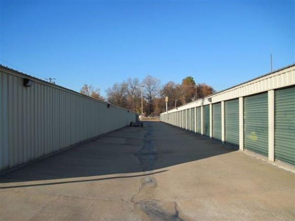 West 28th Ave. Self Storage 3400 W 28th Ave Pine Bluff, AR - Photo 2