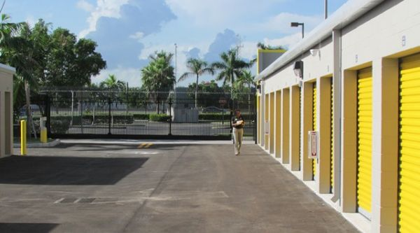 Safeguard Self Storage - Miami - Miami Gardens 16701 Park Centre Boulevard Miami, FL - Photo 4