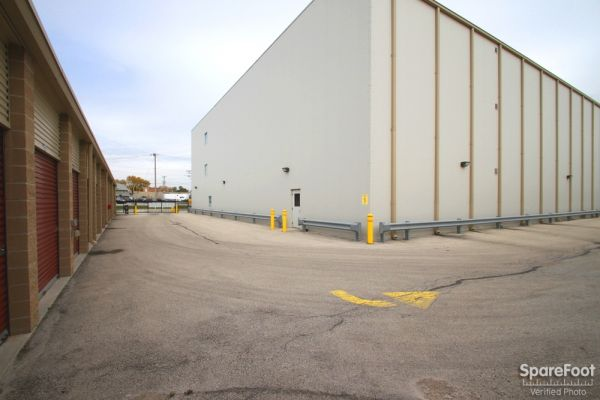 Safeguard Self Storage - McCook 9001 West 47th Street McCook, IL - Photo 4