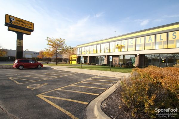 Safeguard Self Storage - Des Plaines 2020 Mannheim Road Des Plaines, IL - Photo 0