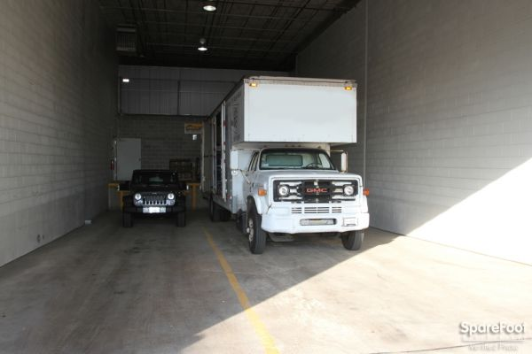 Safeguard Self Storage - Des Plaines 2020 Mannheim Road Des Plaines, IL - Photo 3