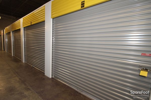 Safeguard Self Storage - Des Plaines 2020 Mannheim Road Des Plaines, IL - Photo 13