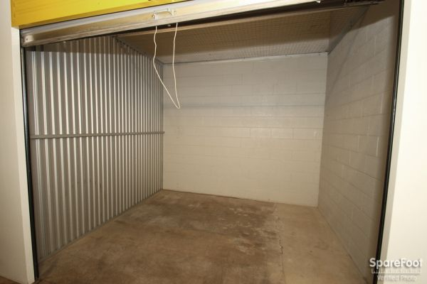 Safeguard Self Storage - Des Plaines 2020 Mannheim Road Des Plaines, IL - Photo 14
