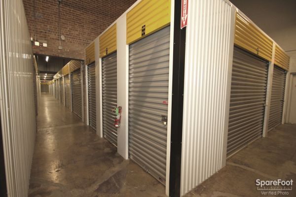 Safeguard Self Storage - Des Plaines 2020 Mannheim Road Des Plaines, IL - Photo 12