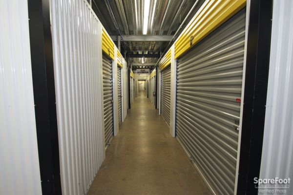 Safeguard Self Storage - Des Plaines 2020 Mannheim Road Des Plaines, IL - Photo 11