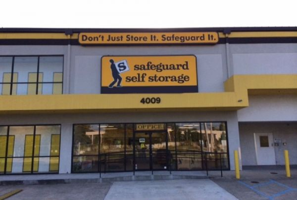 Safeguard Self Storage - Metairie - I-10 Service Road West 4009 North Interstate 10 Service Road West Metairie, LA - Photo 1