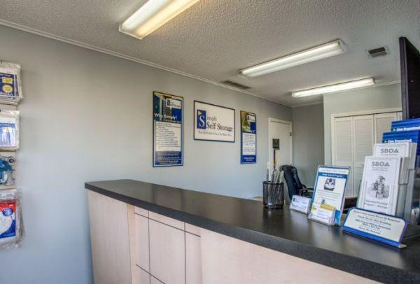 Simply Self Storage - 9624 E 350 Highway - Raytown 9624 E 350 Hwy. Raytown, MO - Photo 5