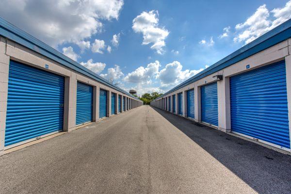 Simply Self Storage - 211 N Elmhurst Road - Wheeling 211 N Elmhurst Rd Wheeling, IL - Photo 2