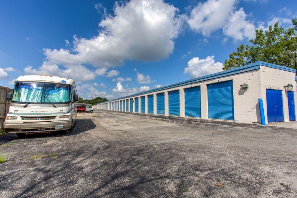 Simply Self Storage - 211 N Elmhurst Road - Wheeling 211 N Elmhurst Rd Wheeling, IL - Photo 7