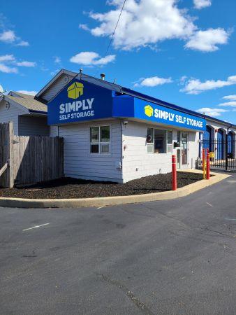 Simply Self Storage - 2025 N Hicks Road - Palatine 2025 N Hicks Rd Palatine, IL - Photo 8
