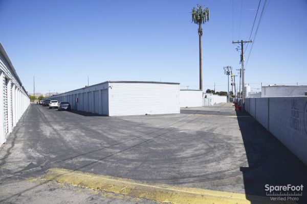 RightSpace Storage - Pecos 3043 N Pecos Rd Las Vegas, NV - Photo 3