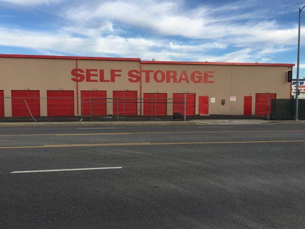 StorQuest - Canoga Park/Canoga 7700 Canoga Ave Canoga Park, CA - Photo 3