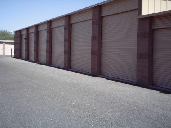 StorQuest - Glendale/Union Hills 6310 W Union Hills Dr Glendale, AZ - Photo 3