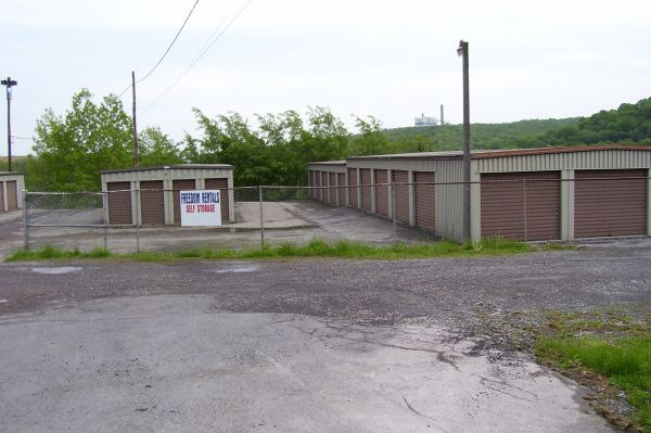 Ebensburg Self Storage 302 Reddinger St Ebensburg, PA - Photo 2