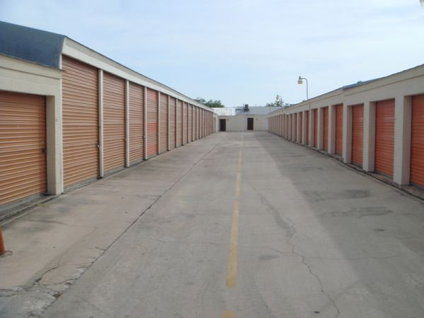 Alamo Eisenhauer Mini Storage Lowest Rates Selfstorage Com