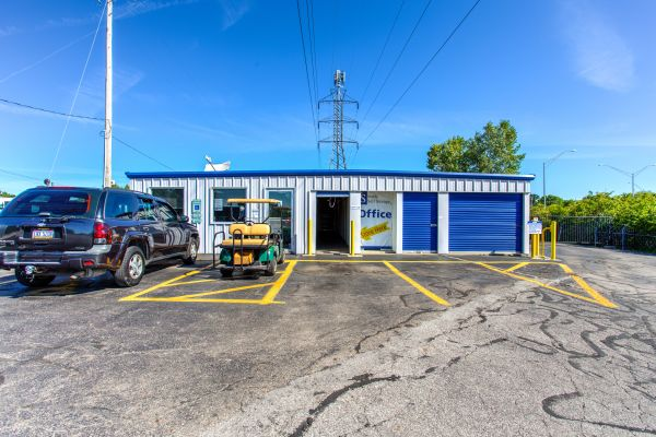 Simply Self Storage - Columbus, OH - Cooke Rd 810 E Cooke Rd Columbus, OH - Photo 0
