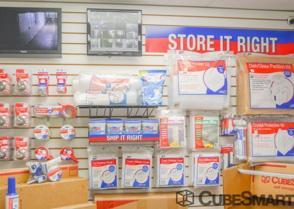 CubeSmart Self Storage - Rockford - 3015 N Main St 3015 N Main St Rockford, IL - Photo 5