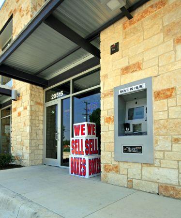Stor Self Storage - Cresta Bella 20515 IH 10 W San Antonio, TX - Photo 2