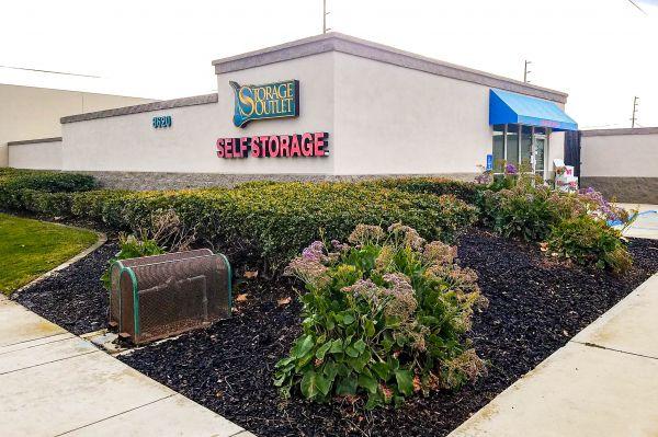 Storage Outlet - Huntington Beach 8620 Hamilton Avenue Huntington Beach, CA - Photo 0