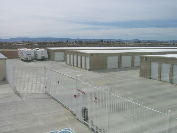 Storage 4 Less 2463 15th Street West Rosamond, CA - Photo 3