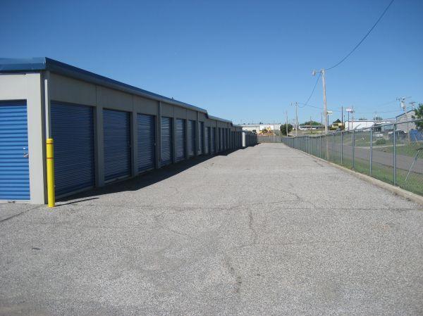 Storage Oklahoma #2 - Moore, OK 2201 N Moore Ave Moore, OK - Photo 9