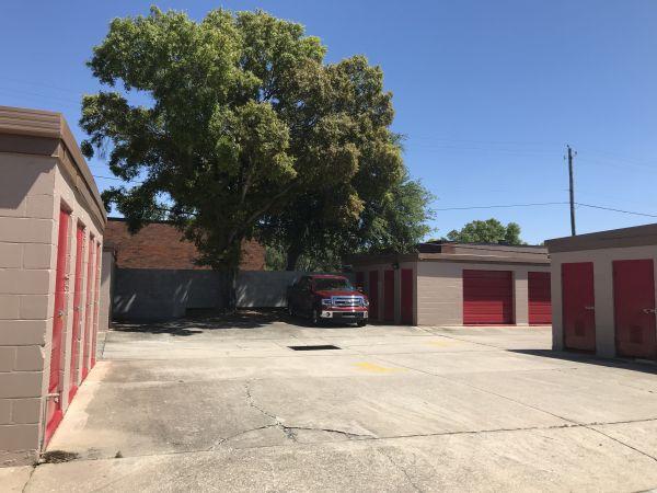 StorQuest - Tampa/Hillsborough 6207 W Hillsborough Ave Tampa, FL - Photo 2