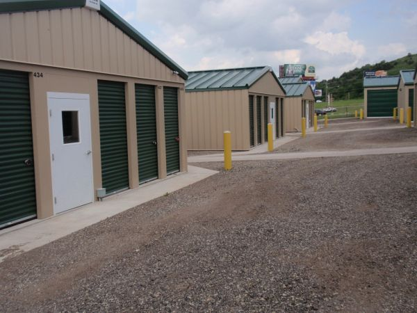 Self Assured Storage 719 Cannon View Drive Grandview Plaza, KS - Photo 3