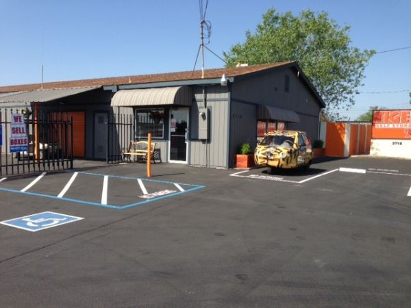 Bon ... Tiger Self Storage   North Highlands   2718 Q Street 2718 Q Street North  Highlands, ...