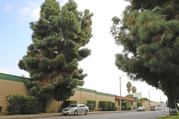 Bellflower Self Storage 14822 Lakewood Blvd Bellflower, CA - Photo 2