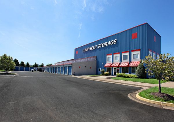 Air & Space Self Storage 14560 Lee Road Chantilly, VA - Photo 0