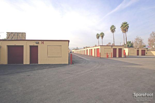 BA Self Storage 620 N Heliotrope Drive Los Angeles, CA - Photo 4