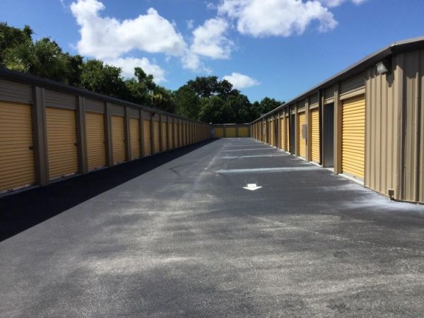 Life Storage - Bradenton 5305 Manatee Avenue West Bradenton, FL - Photo 4