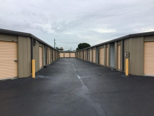 Life Storage - Fort Myers - Cleveland Avenue 3111 Cleveland Ave Fort Myers, FL - Photo 2