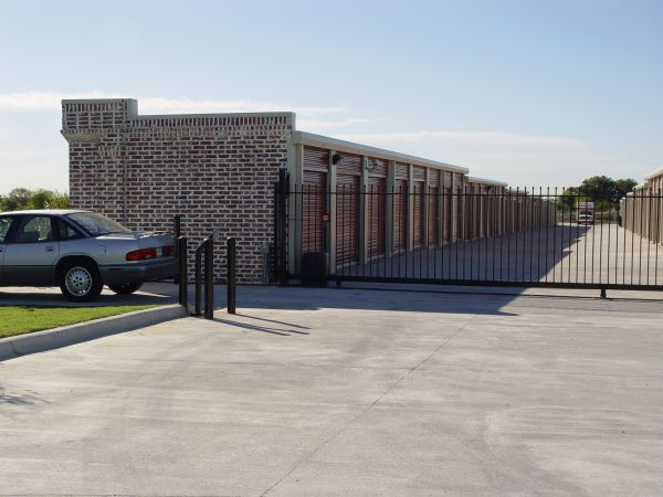 121 Storage 1300 Sam Rayburn Highway Melissa, TX - Photo 1