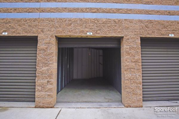 Handy Self Storage 1500 Washington Boulevard Montebello, CA - Photo 5