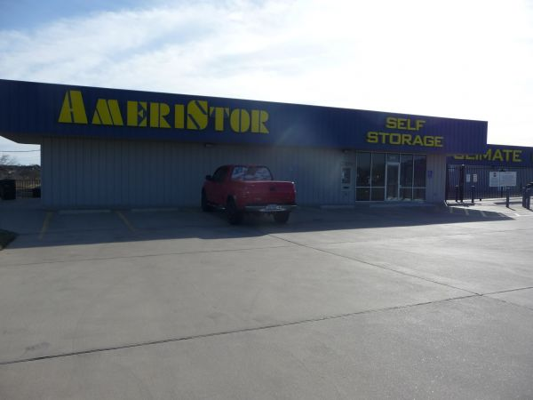 AmeriStor Self Storage 2010 East Elms Road Killeen, TX - Photo 2