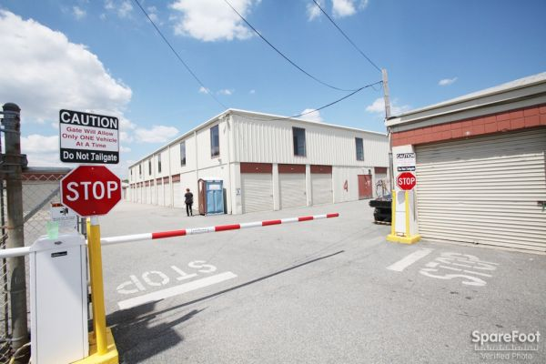 Edison Lock Up 724 Old Post Rd Edison, NJ - Photo 0
